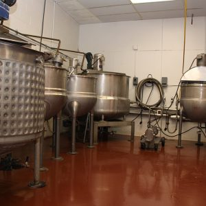 Both Sweep and High Speed Agitated Steam Jacketed Kettles